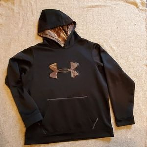 Under Armour sweater youthxl black